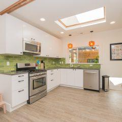 vacation rentals, Portland Oregon, modern kitchen, best place to stay Portland